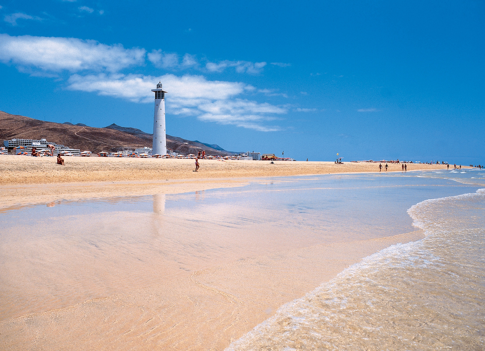 The most beautiful beaches of fuerteventura nightlife for Beautiful beaches in la