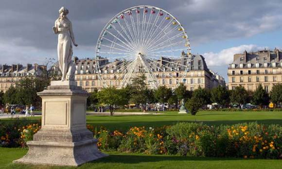 Paris sightseeing jardin des tuleries