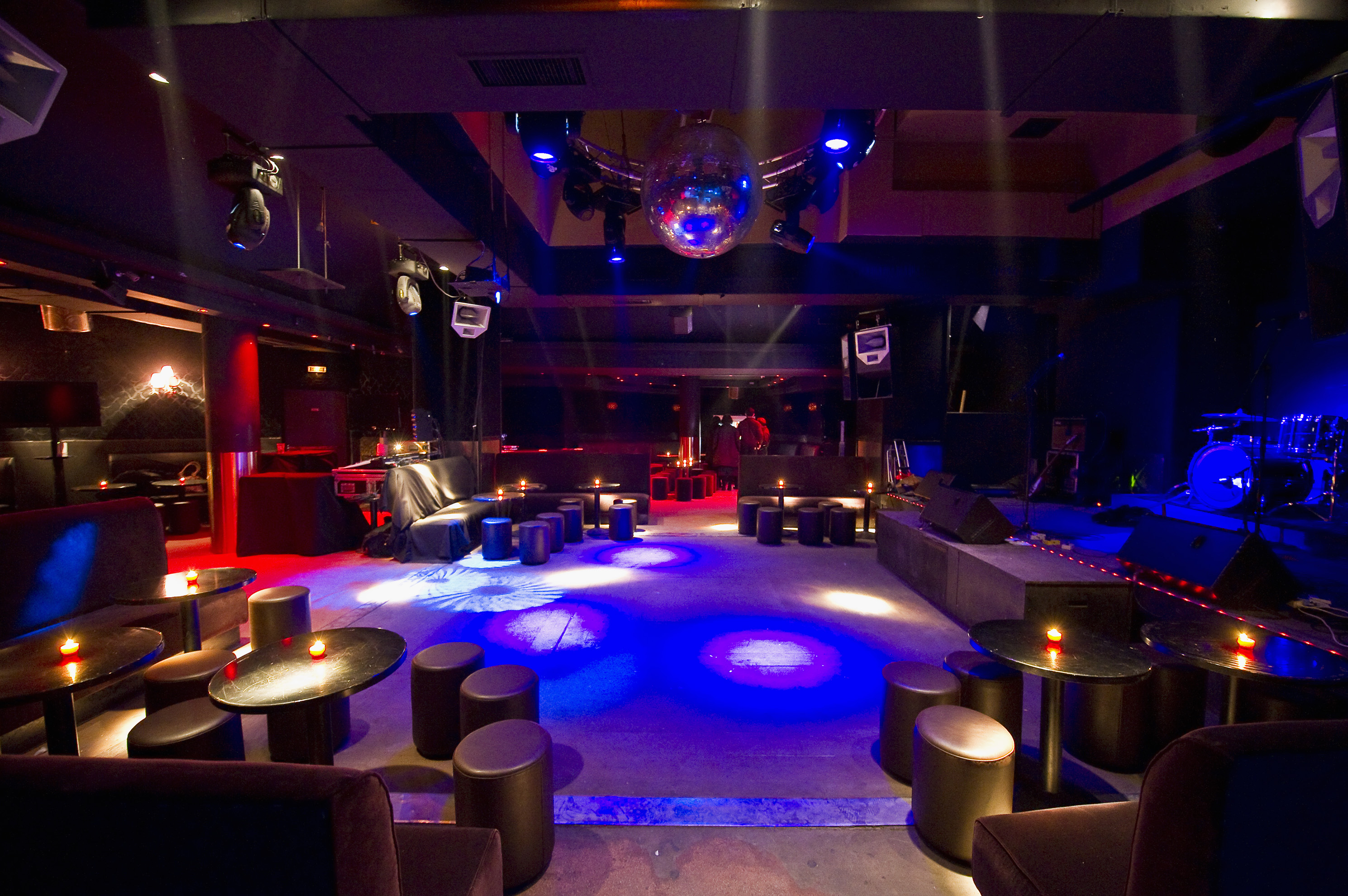 Paris nightlife and clubs nightlife city guide - Les bains douche paris discotheque ...