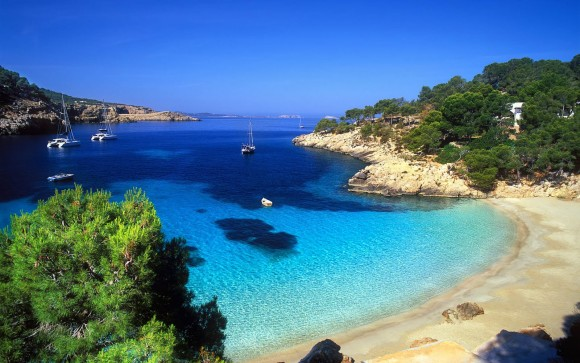 young summer destinations 2015 Ibiza discos and beaches