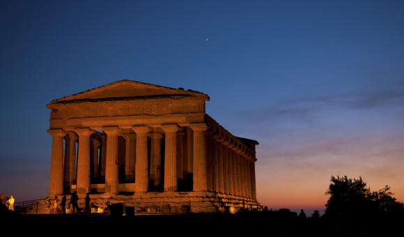 Free museums in Sicily and Sardinia with domenicalmuseo temples in agrigento