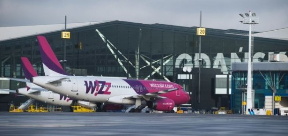 How to get to Gdansk Gdansk Lech Walesa airport links the Centre of Gdansk Wizzair