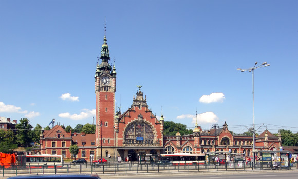 How to get to Gdansk Gdansk Glowny railway station links