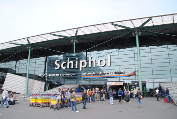 How to get to Amsterdam Airport Schiphol transport links