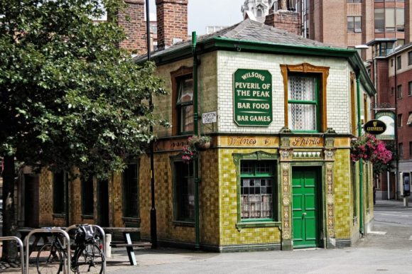 Vita Notturna Manchester Peveril Of The Peak