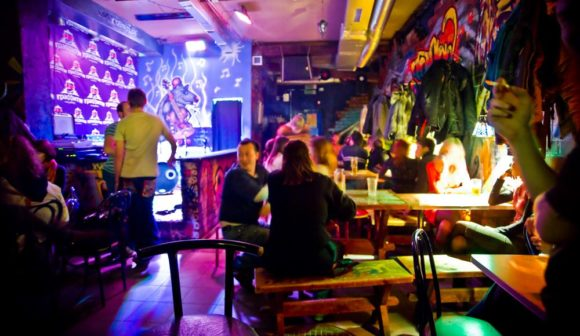 Minsk nightlife Graffiti Bar