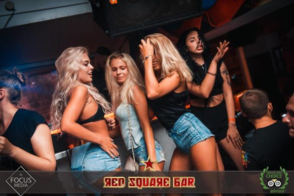 Vita notturna Cipro Ayia Napa Red square Bar