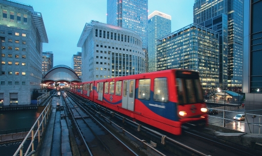 Londra collegamenti aeroporto London City Airport metropolitana Docklands Light Railway