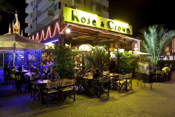 Noite Rimini The Rose and Crown