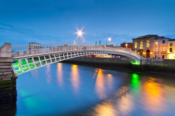 The best 25 things to do and see in Dublin Ha'penny Bridge