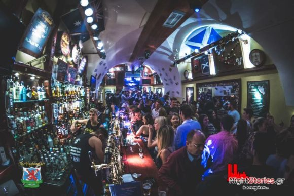 Nightlife Highlander Bar Santorini Thira
