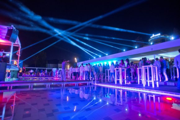 Vita notturna Budva Torch Beach Club