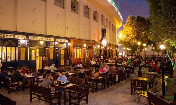 Vita notturna Dubai Irish Village