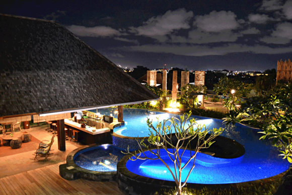 Vita notturna Bali Vertigo Rooftop at Four Points by Sheraton Kuta Beach