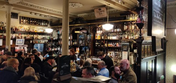 Vita notturna Glasgow The Pot Still