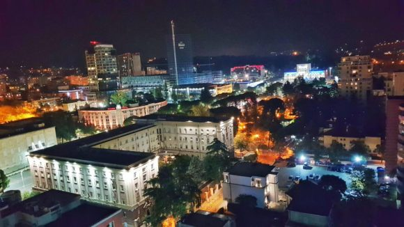 Vita notturna Tirana by night